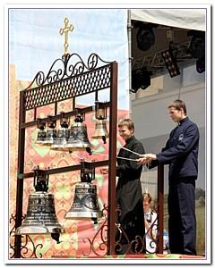 Религиозный фестиваль легко стал светским