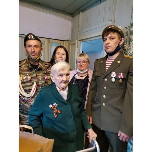 Активисты общественных организаций поздравили ветеранов с Днем Победы