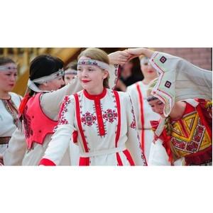 В национальных костюмах народов Чувашии хранится их история