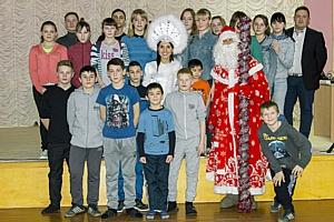 «Ростелеком» поздравил с Новым годом воспитанников Алнашского детского дома Удмуртии