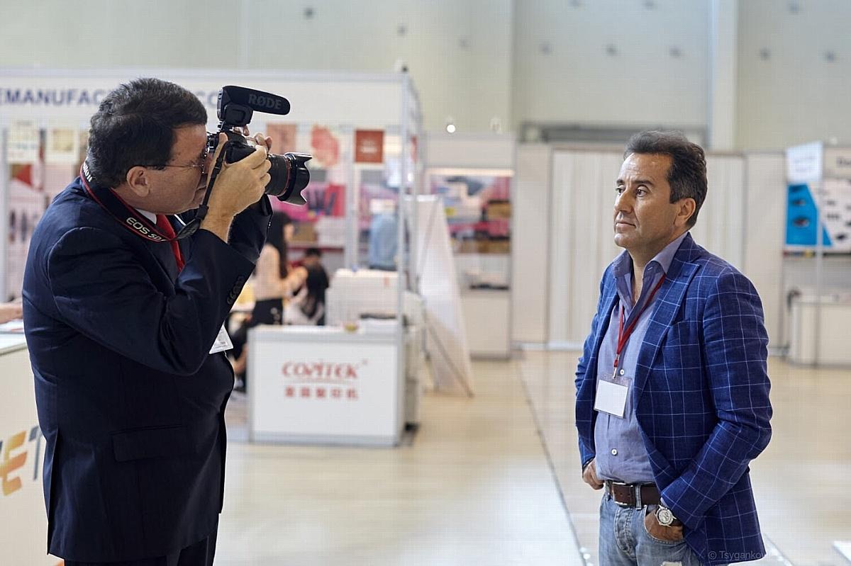 Дэвид Гиббонс (RecyclingTimes Media, Китай) берет интервью у Сергея Хазанкина (ВТТ, Россия).