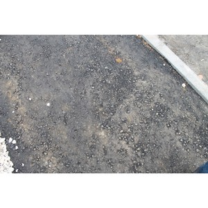 Для чего в Рузаевке  установили бордюры на тротуаре только с одной стороны?