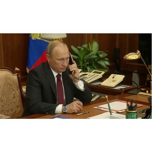 Владимир Путин провел телефонный разговор с Абдельфаттахом Сиси