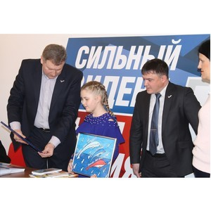 Представители Народного фронта в Кабардино-Балкарии поздравили лауреата конкурса плакатов ОНФ