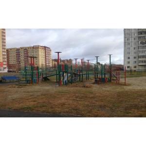 Тюменские активисты ОНФ добились ремонта детской площадки в Тобольске