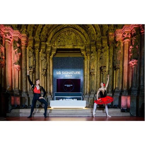 Первая в мире презентация телевизора LG Signature Oled R