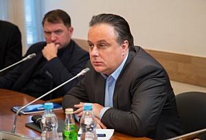 Российским театрам нужны не только актеры и режиссеры, но и инженеры, отметили в Госдуме