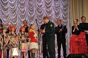 Смоленские таможенники блистают талантами на сцене