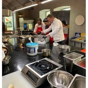 Tork начинает сотрудничать со кулинарной школой СВЧ