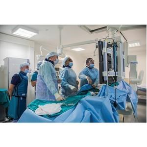 В МКДЦ уникальная международная бригада врачей помогла 7 пациентам