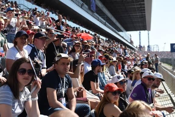 Электронная очередь Максима на гонках гран-при Формулы 1