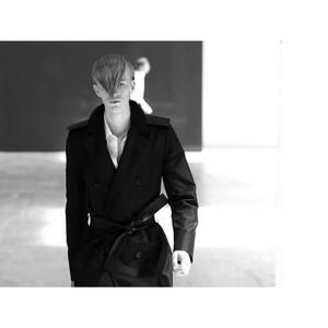 Милан обозначает себя как мировой лидер продаж в секторе одежды из меха и кожаных курток