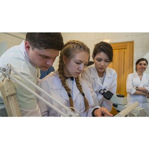 Уверенными шагами в будущее: школьники осваивают регенеративную медицину на Таватуе