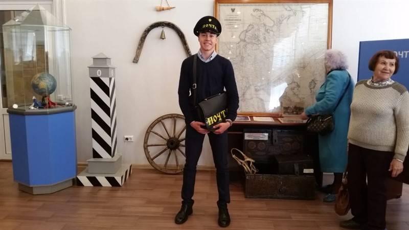 Активисты «Молодежки ОНФ» организовали в Челябинске поход людей старшего поколения в музей