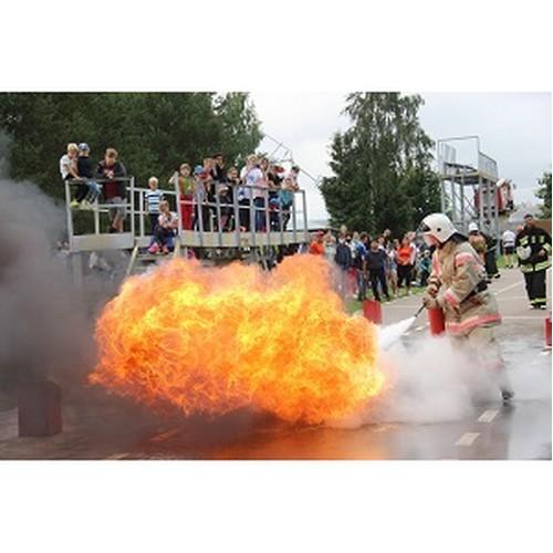 Добровольные пожарные формирования САЭС продемонстрировали свои навыки