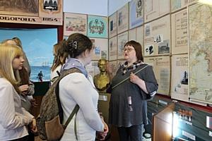 Активисты ОНФ в Камчатском крае организовали для школьников экскурсию в выставочный центр