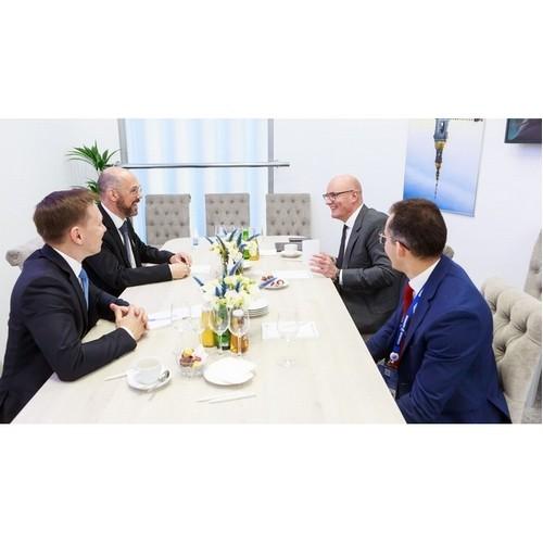 Дмитрий Чернышенко провёл встречу с Томмазо Каларко