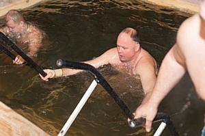 Вадим Супиков организовал празднование Крещения Господня на набережной Суры