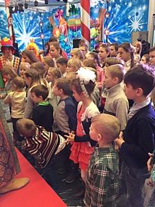 Илгизя Шарафиева: Toy.ru вручил подарки воспитанникам детских приютов Калужской области
