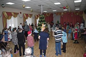ЧЭСК поздравила воспитанников Реабилитационного центра с наступающим Новым годом