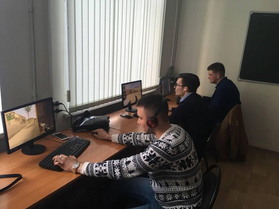 В Дзержинском филиале РАНХиГС прошли соревнования по компьютерной многопользовательской игре