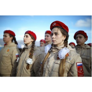 В России обсуждают меры по повышению патриотического воспитания