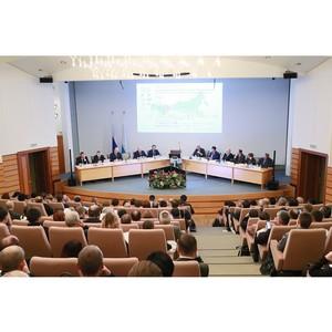 Ускорить развитие регионов: Екатеринбург вновь стал центром экономической мысли