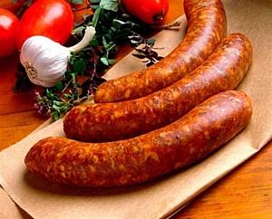 В колбасе мало белка и много жиров