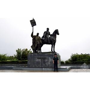 Памятник основателю Симбирска Богдану Хитрово