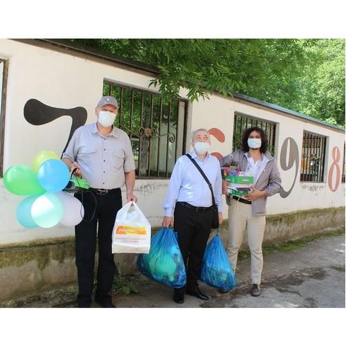 В День защиты детей ОНФ в КБР привезли подарки особенным детям