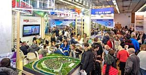 Марат Хуснуллин поприветствовал участников и гостей 35-й выставки-ярмарки «Недвижимость от лидеров»