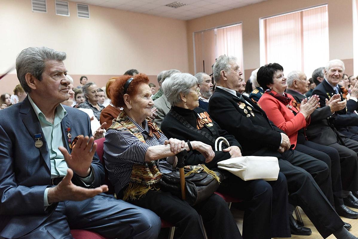 Школьный день с ветеранами завода имени Калинина