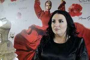Солисты вокальной группы «Viva» спели для видеоблога Ангелины Волковой