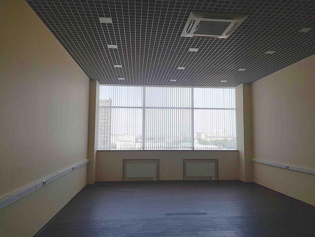 """Сдается в аренду офисное помещение площадью 61 м2 в БЦ класса В+ """"Хамелеон"""""""
