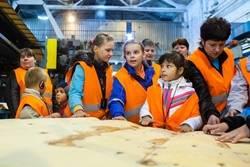 Власти Ленобласти повышают престиж рабочих профессий