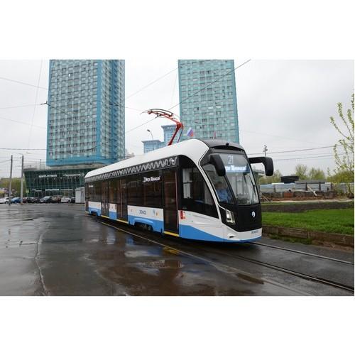 В Москву поступило 30 односекционных трамваев «Львенок»