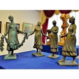 Творческое озарение чувашских художников представлено в Доме дружбы