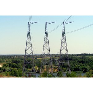 ФСК ЕЭС построила через реку Северский Донец новый спецпереход ЛЭП 500 кВ от Ростовской АЭС