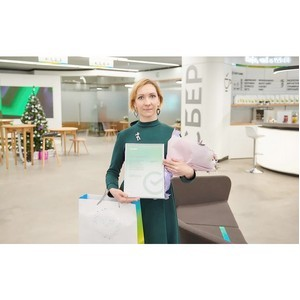 15-миллионному клиенту столичного Сбера вручили в подарок SberBox