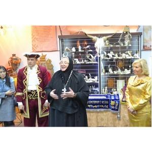 В Тюмени состоялась презентация шедевров золотного шитья Сибири