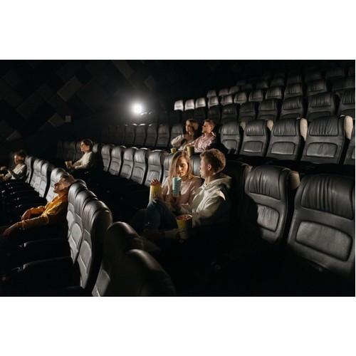 Мартовские кинопремьеры: пора возвращаться в кинотеатры!