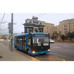 Композитный электробус выехал на улицы Москвы