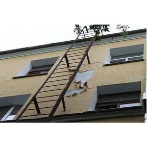 ОНФ призвал власти Воронежа устранить дефекты капремонта жилого дома