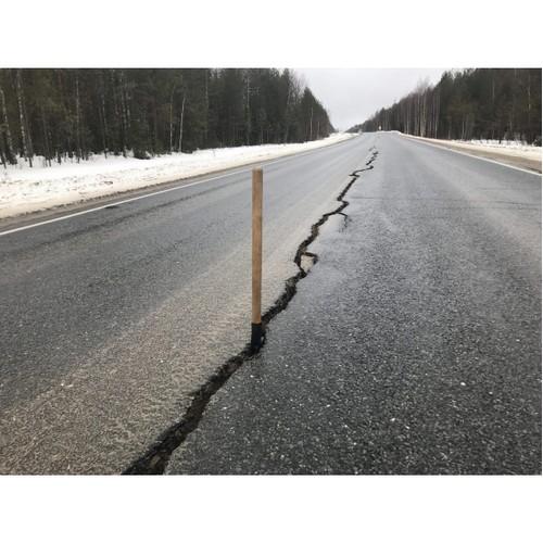 Около села Додзь в Коми начался ремонт обновленного дорожного участка