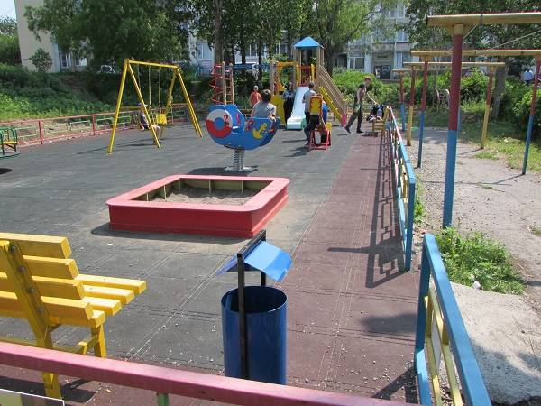 Камчатские активисты ОНФ проверили состояние дворов, благоустроенных в 2017 году