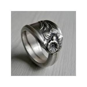 Новые антикварные серебряные кольца уже ждут вас!