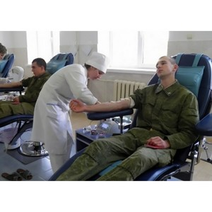 Медики и военные вырвались вперед