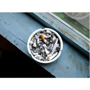 В МЧС уточнили: новые правила не запрещают курить на балконах