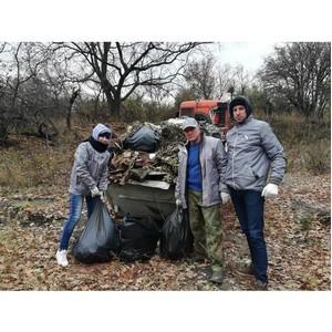 Активисты ОНФ на субботнике в Волгограде собрали более 13 тонн мусора