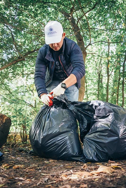 Более 2000 добровольцев приняли участие в дне чистоты в Уфе